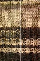 Сумочка в оливковых тонах узор вязания