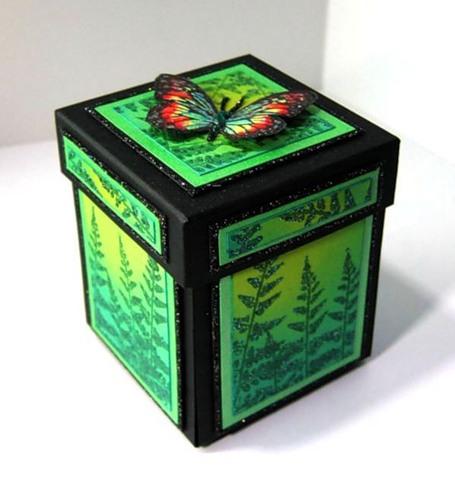 Декорированная коробка