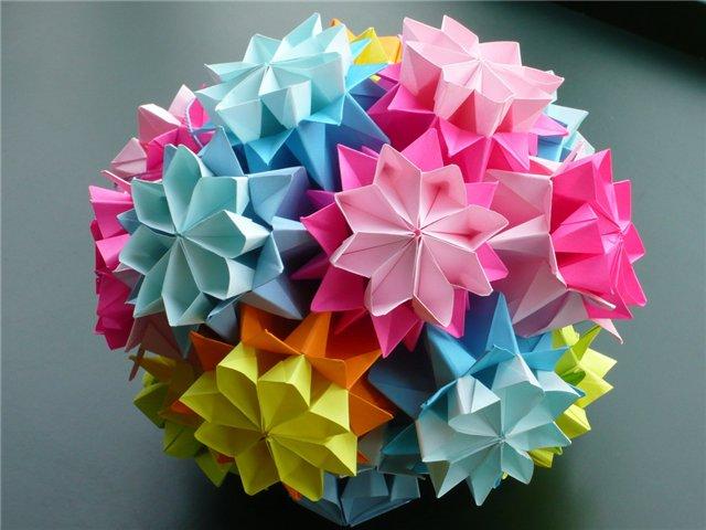 качестве поделки оригами к