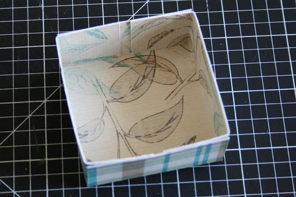 склеенная крышка коробки