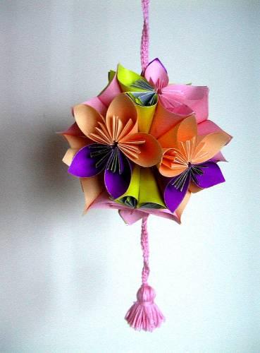 Шар из бумажных цветов.кусудамы