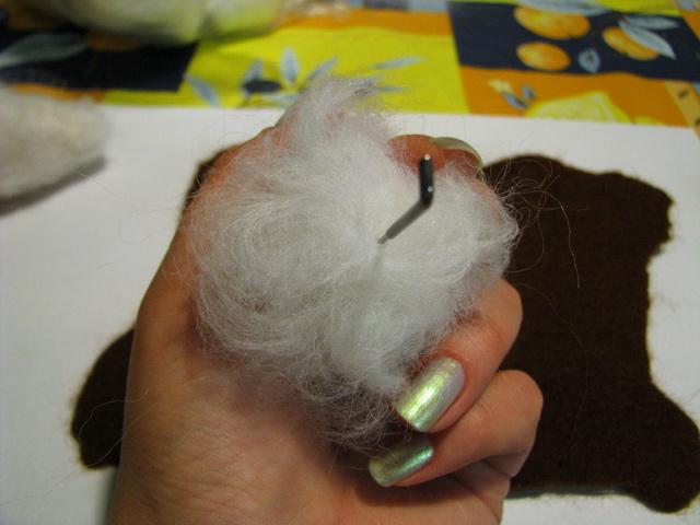 Миниатюрный далматинчик из шерсти
