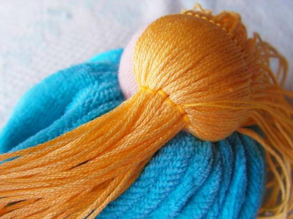 Как и из чего сделать волосы кукле тильда