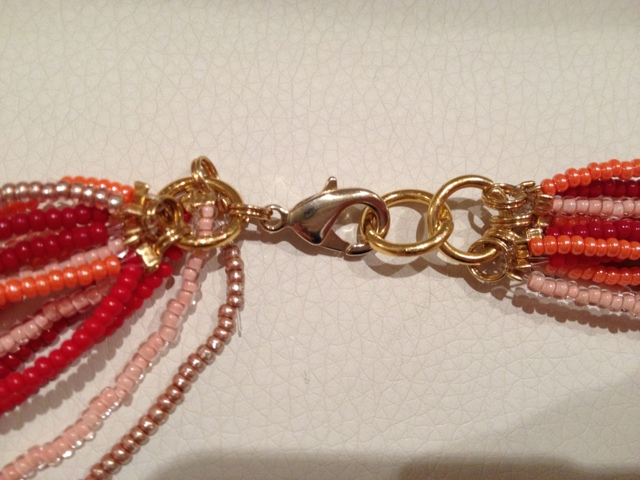 Длинное ожерелье из нитей