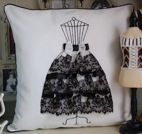 Подушки с декором-платьем