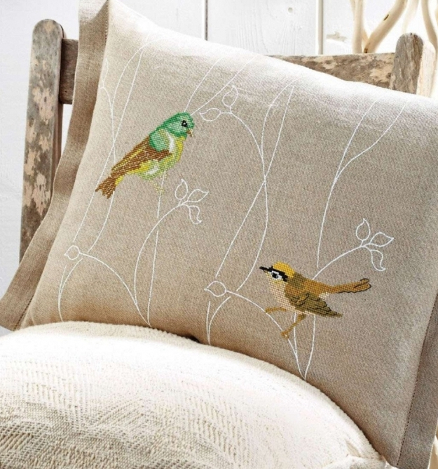 Подушка с птичками