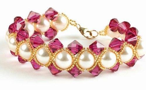 Фиолетовый браслет с жемчугом