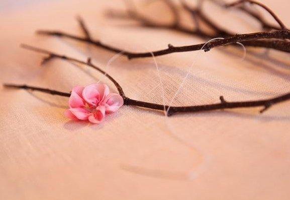 панно из веток и цветов