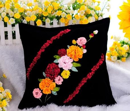 ленточная вышивка подушка