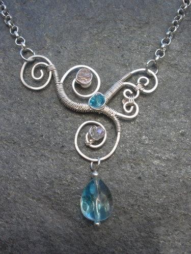 ожерелье из проволоки