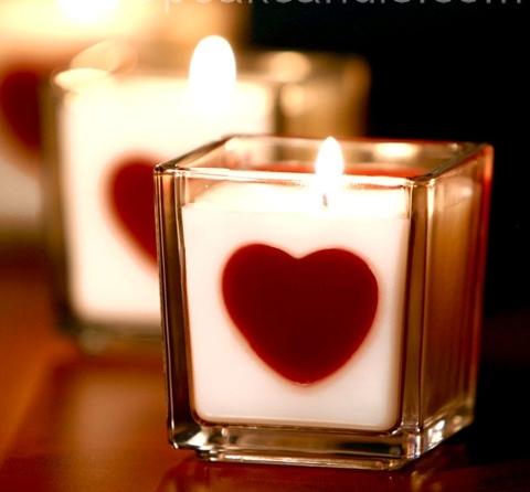 свеча с сердцем